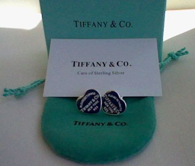 rivenditore di vendita 1df63 fa9ca Come riconoscere un falso Tiffany (orecchini Please return ...