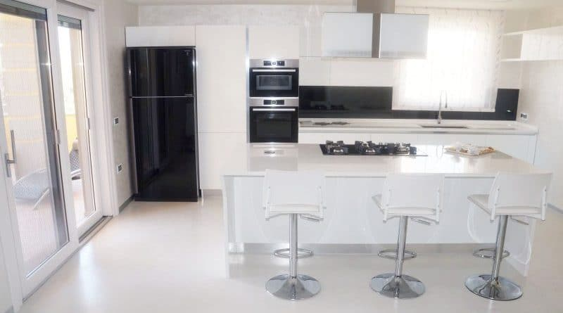 Come fare pavimenti in resina moderni e senza fughe