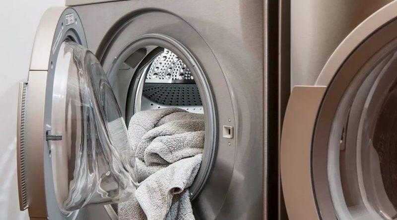Lavatrice con lavaggio panni e lana cotta
