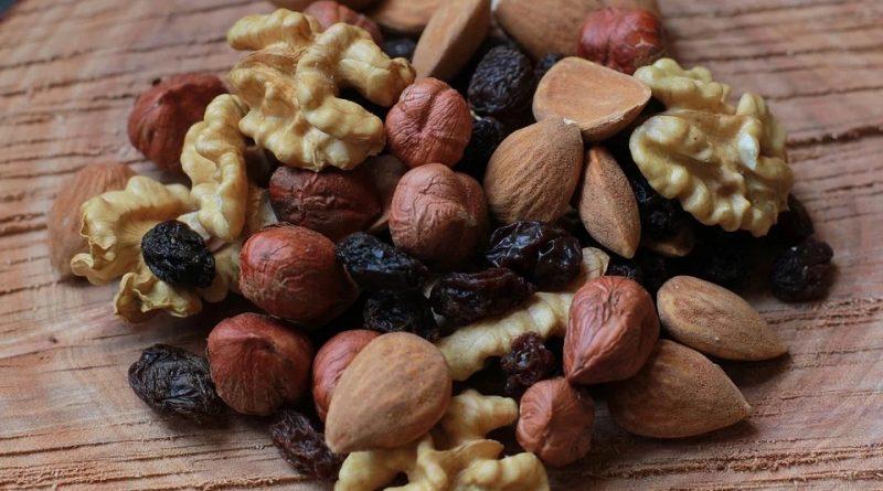 Come dimagrire mangiando frutta secca