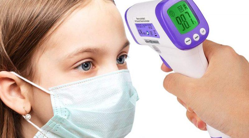 Come si utilizza il termometro a infrarossi per la misurazione della temperatura corporea?
